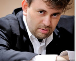 Il Maestro Roberto Issoglio su RadioFly ore 11,00